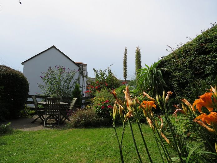 Detached House, 2 bedroom Property for sale in Mousehole, Cornwall for £350,000, view photo 14.