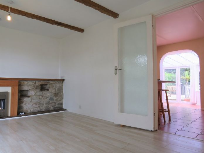 Detached Bungalow, 3 bedroom Property for sale in Penzance, Cornwall for £325,000, view photo 5.