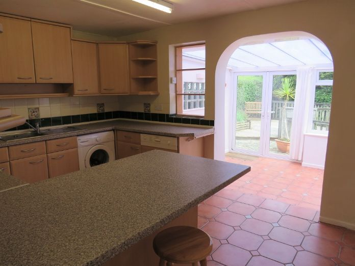 Detached Bungalow, 3 bedroom Property for sale in Penzance, Cornwall for £325,000, view photo 7.