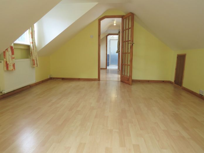 Detached Bungalow, 3 bedroom Property for sale in Penzance, Cornwall for £325,000, view photo 11.