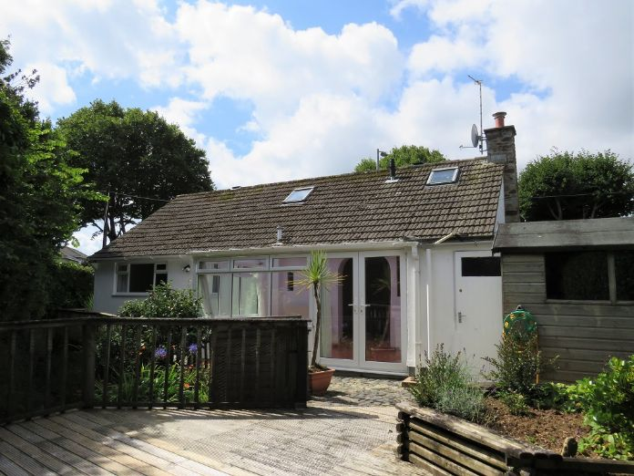 Detached Bungalow, 3 bedroom Property for sale in Penzance, Cornwall for £325,000, view photo 16.