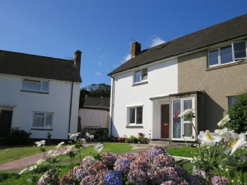 End of Terrace for sale in Penzance: 7 Trenoweth Crescent, Alverton, Penzance, Cornwall.  TR18 4RY, £220,000