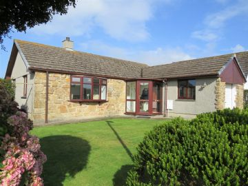 Detached Bungalow sold in St Buryan: Trelyon Close, St Buryan, Penzance, Cornwall.  TR19 6BU, £250,000