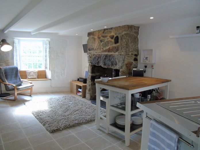 Terraced, House, Holiday Home, 2 bedroom Property for sale in Newlyn, Cornwall for £180,000, view photo 4.