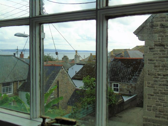 Terraced, House, Holiday Home, 2 bedroom Property for sale in Newlyn, Cornwall for £180,000, view photo 13.