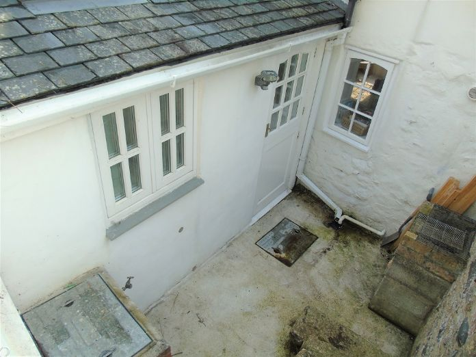 Terraced, House, Holiday Home, 2 bedroom Property for sale in Newlyn, Cornwall for £180,000, view photo 16.