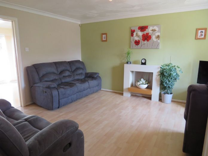 End of Terrace, 3 bedroom Property for sale in Camborne, Cornwall for £170,000, view photo 3.