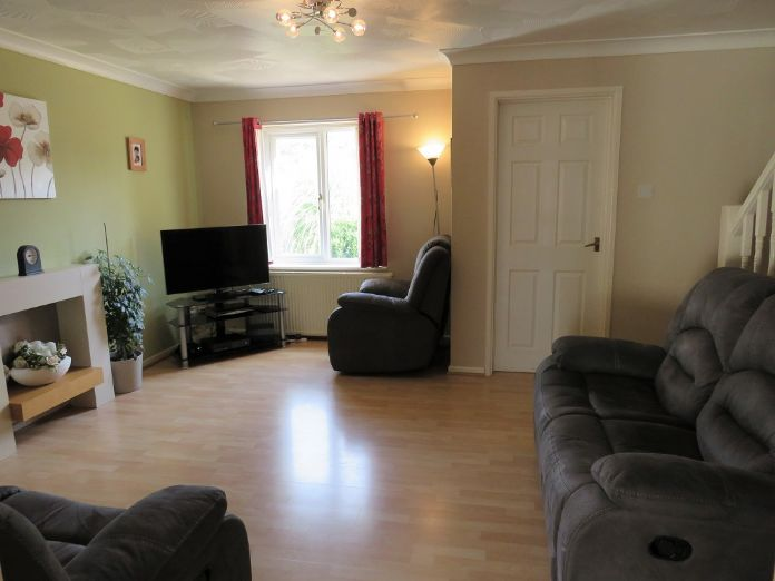 End of Terrace, 3 bedroom Property for sale in Camborne, Cornwall for £170,000, view photo 4.