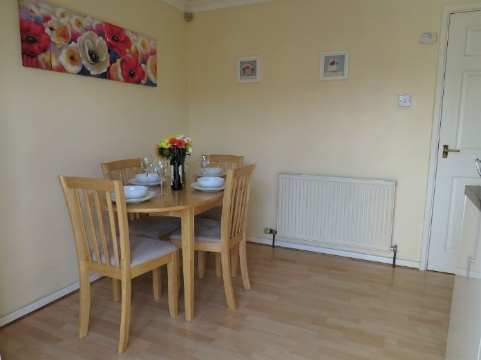 End of Terrace, 3 bedroom Property for sale in Camborne, Cornwall for £170,000, view photo 8.