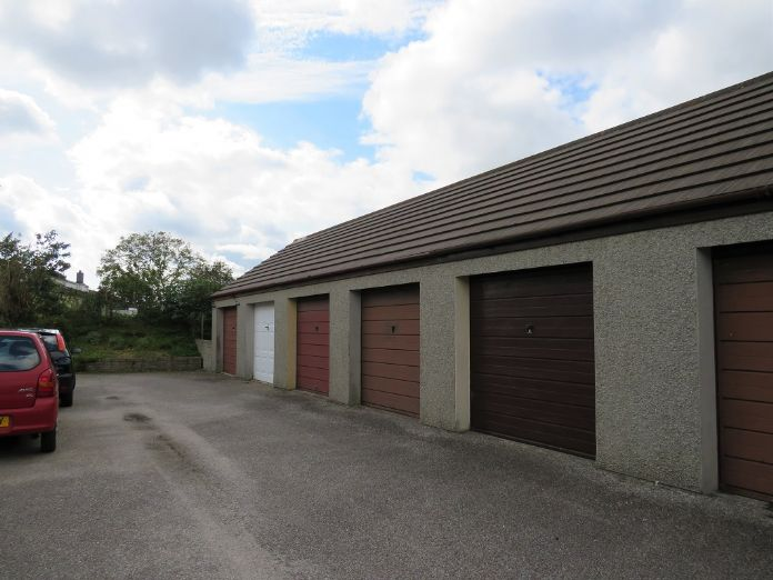 End of Terrace, 3 bedroom Property for sale in Camborne, Cornwall for £170,000, view photo 16.