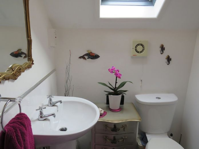 Terraced, House, 4 bedroom Property for sale in Penzance, Cornwall for £400,000, view photo 8.