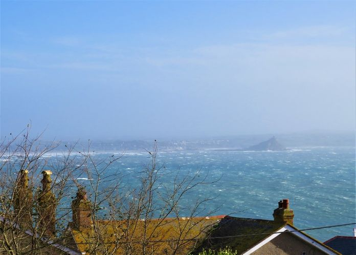 Detached House, 4 bedroom Property for sale in Newlyn, Cornwall for £325,000, view photo 3.