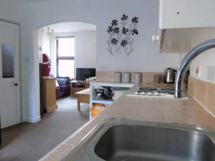 End of Terrace, 3 bedroom Property for sale in Penzance, Cornwall for £200,000, view photo 8.