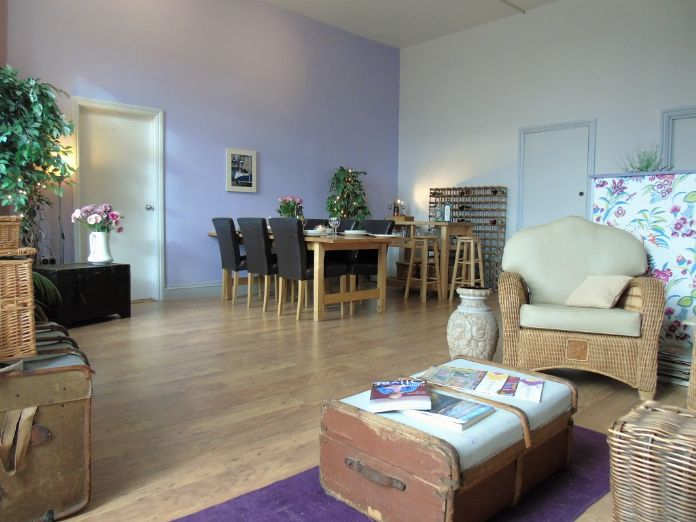 Apartment, Holiday Home, 5 bedroom Property for sale in Penzance, Cornwall for £480,000, view photo 2.