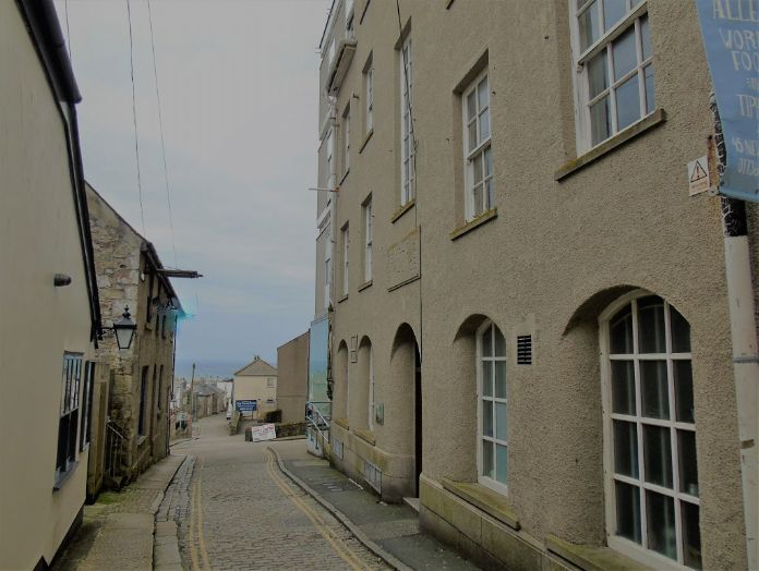 Apartment, Holiday Home, 5 bedroom Property for sale in Penzance, Cornwall for £480,000, view photo 5.