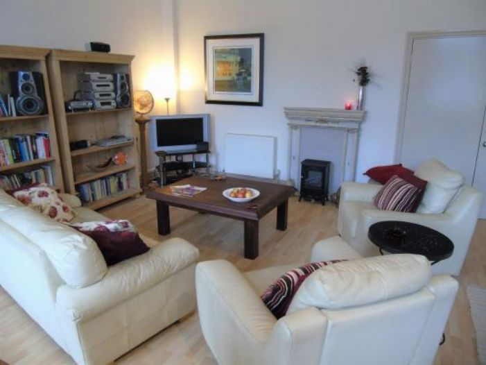 Apartment, Holiday Home, 5 bedroom Property for sale in Penzance, Cornwall for £480,000, view photo 8.