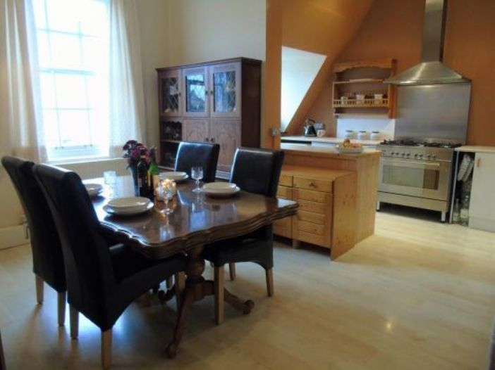 Apartment, Holiday Home, 5 bedroom Property for sale in Penzance, Cornwall for £480,000, view photo 11.