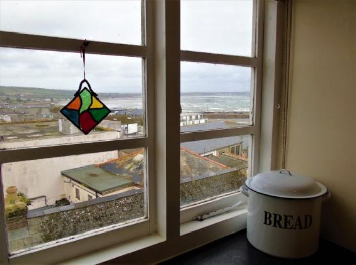 Apartment, Holiday Home, 5 bedroom Property for sale in Penzance, Cornwall for £480,000, view photo 12.