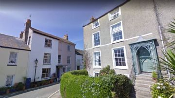 Maisonette for sale in Penzance: North Parade, Penzance, Cornwall.  TR18 4SN, £330,000