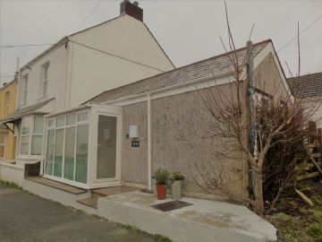 Detached Bungalow for sale in : Parka Road, St Columb Road, St Columb.  TR9 6PG, £80,000