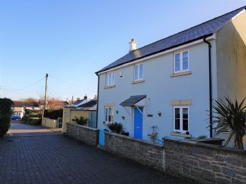Detached House for sale in Hayle: Madison Close, Hayle, Cornwall.  TR27 4BZ, £299,950