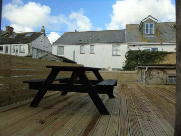 Flat for sale in Penzance: Flat 1, Market Jew Street, Penzance, Cornwall TR18 2HY, £125,000