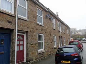 Terraced, House for sale in Penzance: Penlee Street, Penzance, Cornwall TR18 2DE, £150,000