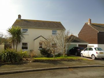 Detached House for sale in Goldsithney: St Petry, Goldsithney, Penzance, Cornwall TR20 9LA, £300,000