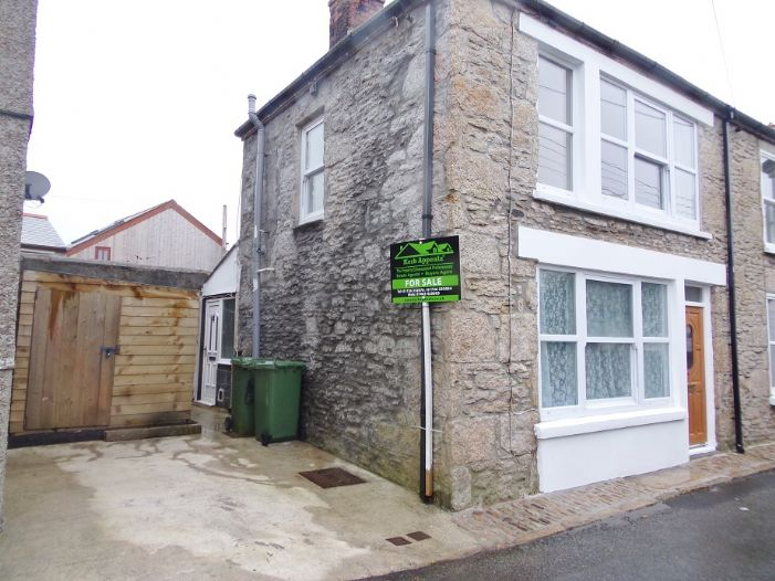 Terraced, House, 1 bedroom Property for sale in St Just, Cornwall for £125,000, view photo 2.