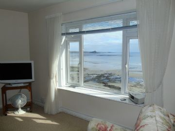 Flat for sale in Penzance: Royale Court, Chyandour Cliff, Penzance, Cornwall.  TR18 3LQ, £200,000