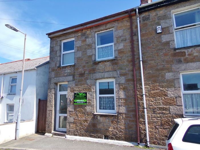 House, 2 bedroom Property for sale in Camborne, Cornwall for £145,000, view photo 2.