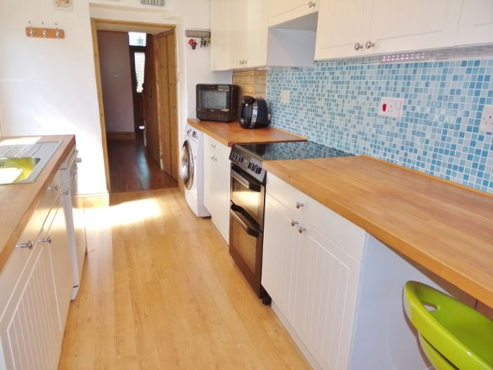 House, 2 bedroom Property for sale in Camborne, Cornwall for £145,000, view photo 9.