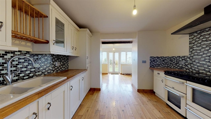 Detached House, 4 bedroom Property for sale in Pendeen, Cornwall for £300,000, view photo 8.