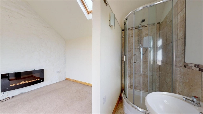 Detached House, 4 bedroom Property for sale in Pendeen, Cornwall for £300,000, view photo 15.