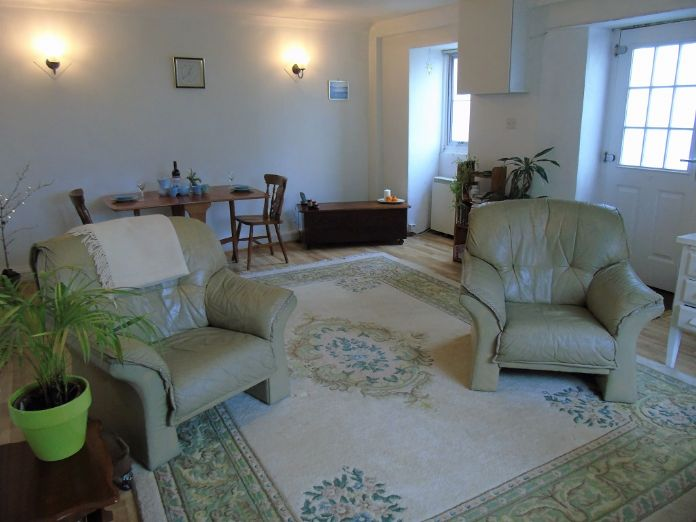 Flat, 1 bedroom Property for sale in Goldsithney, Cornwall for £160,000, view photo 1.