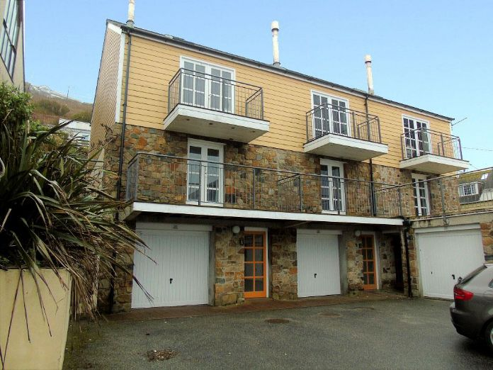 End of Terrace, House, 3 bedroom Property for sale in Sennen Cove, Cornwall for £475,000, view photo 1.