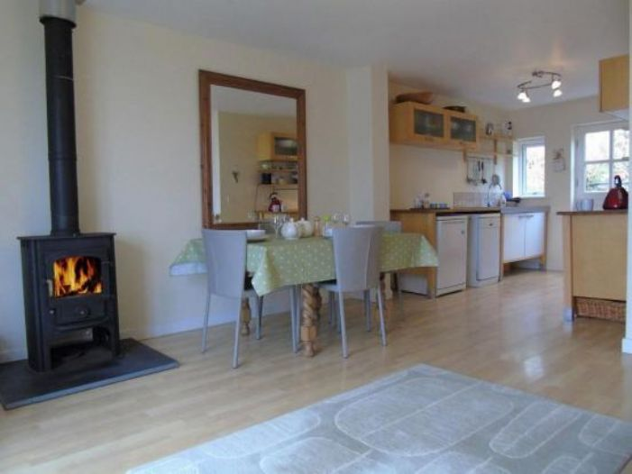 End of Terrace, House, 3 bedroom Property for sale in Sennen Cove, Cornwall for £475,000, view photo 3.