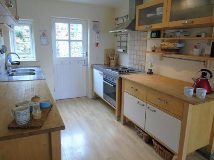 End of Terrace, House, 3 bedroom Property for sale in Sennen Cove, Cornwall for £475,000, view photo 7.