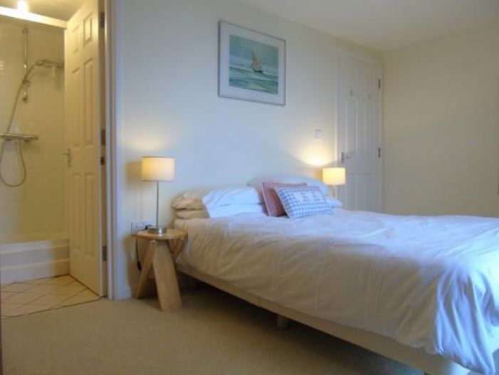 End of Terrace, House, 3 bedroom Property for sale in Sennen Cove, Cornwall for £475,000, view photo 10.