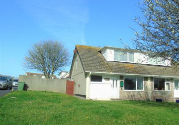 Semi Detached Bungalow for sale in Newlyn: Forbes Road, Newlyn, Penzance, Cornwall TR18 5DQ, £190,000