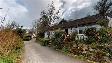 Semi Detached Bungalow for sale in Lamorna: Lamorna, Penzance, Cornwall TR19 6XH, £220,000
