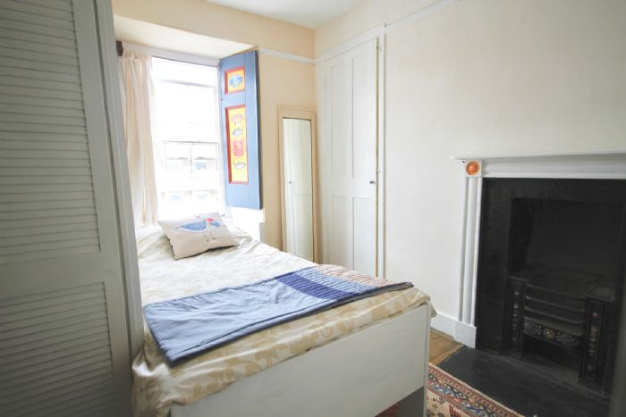 Terraced, House, 4 bedroom Property for sale in Penzance, Cornwall for £400,000, view photo 14.