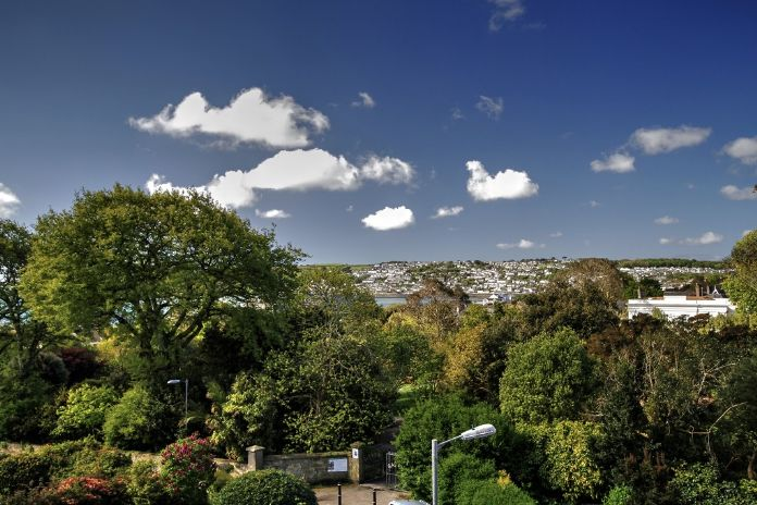 Terraced, House, 4 bedroom Property for sale in Penzance, Cornwall for £400,000, view photo 16.