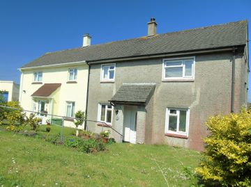 Semi Detached House for sale in Penzance: Mount Pleasant, Penzance, Cornwall TR18 4QT, £220,000