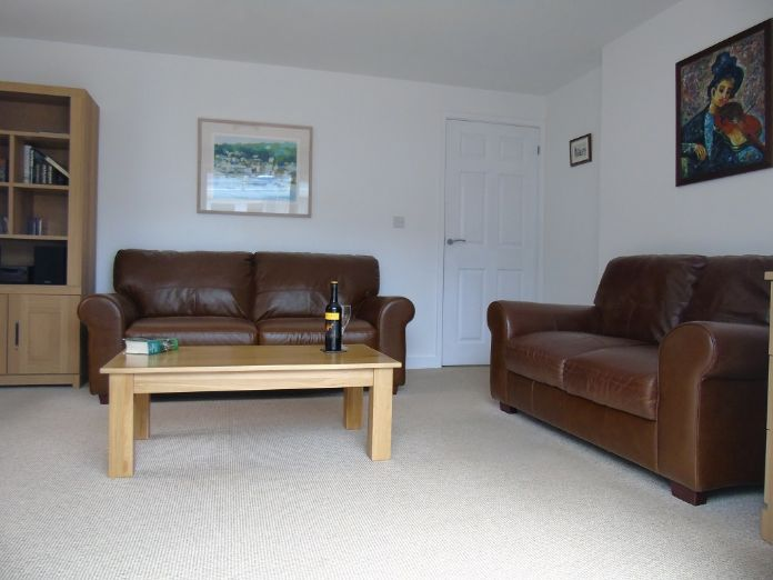 Detached Bungalow, 2 bedroom Property for sale in Goldsithney, Cornwall for £300,000, view photo 4.