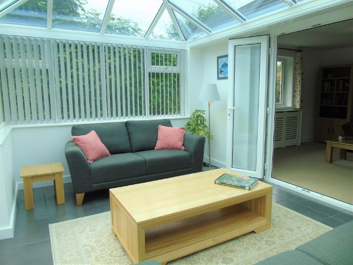 Detached Bungalow, 2 bedroom Property for sale in Goldsithney, Cornwall for £300,000, view photo 6.