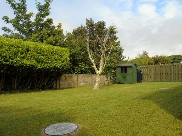 Detached Bungalow, 2 bedroom Property for sale in Goldsithney, Cornwall for £300,000, view photo 16.