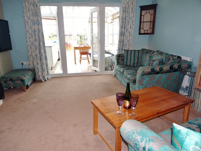 House, 4 bedroom Property for sale in Hayle, Cornwall for £220,000, view photo 3.