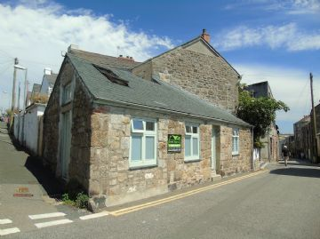 Semi Detached Bungalow, Holiday Home for sale in Penzance: Bread Street, Penzance, Cornwall TR18 2EH, £150,000