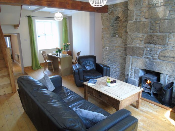 Terraced, House, 2 bedroom Property for sale in St Just, Cornwall for £190,000, view photo 3.